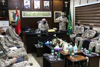الحنيطي يزور مدرسة الشهيد الملك عبدالله بن الحسين للمشاة