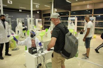 لا قرار بعد بإعفاء متلقي لقاح كورونا من فحص الـ (PCR) عند وصولهم للأردن