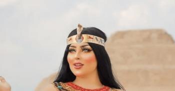 مصر ..  إخلاء سبيل فتاة تصوير سقارة ومصورها بكفالة