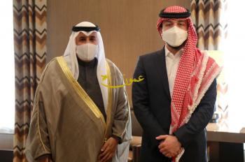 ولي العهد يستقبل السفير الكويتي