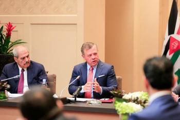 الملك: لن نسمح للتطورات على الساحة السورية بتهديد الأردن (صور)
