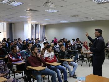 دورة أمن وسلامة وإسعافات اولية لطلبة الشرق الاوسط