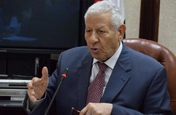 وفاة الكاتب المصري مكرم محمد أحمد