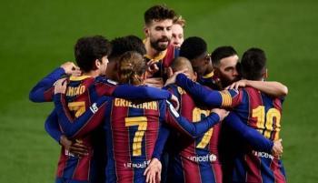 بعد رياض محرز ..  برشلونة يستهدف صفقة جزائرية ثانية