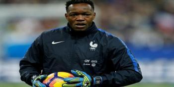 اصابة حارس مرمى المنتخب الفرنسي بكورونا