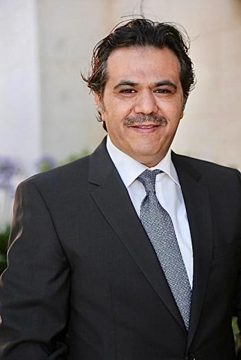 القهيوي سفيرا في سلطنة عمان