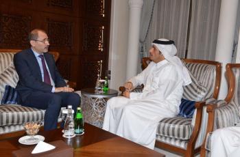 الصفدي وآل ثاني يبحثان تطوير العلاقات الثنائية في قطر