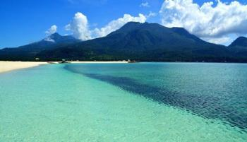 جزيرة كاميغوين الساحرة تفتح أبوابها للسياح