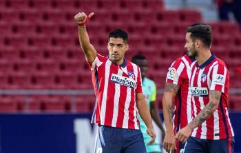 سواريز يسجل هدفين في بداية مبهرة مع أتلتيكو