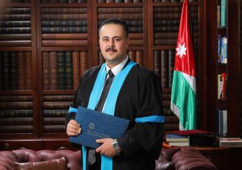 عيد حسين الدحيات .. مبارك التخرج