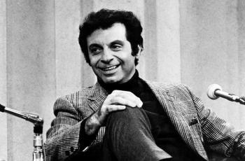 وفاة الفنان الكوميدي الأمريكي مورت سال عن 94 عاماً