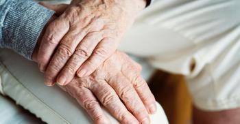 أطعمة تتسبب في الشيخوخة ..  عليك تجنبها