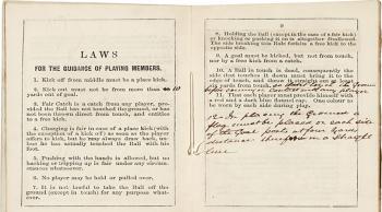 بيع أوّل نسخة من كتاب قوانين كرة القدم بأكثر من 65 ألف يورو