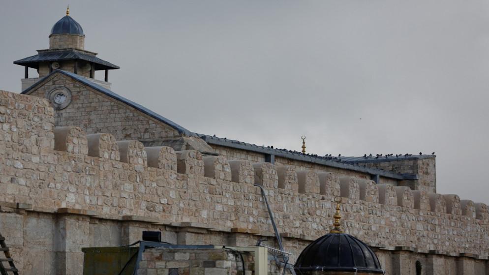 الاحتلال يمنع استكمال أعمال ترميم الحرم الإبراهيمي