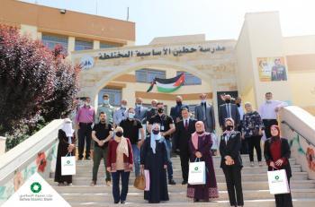 بنك صفوة الإسلامي يتبرع بالمزيد من الأجهزة اللوحية لتسهيل التعليم عن بعد