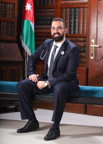 المحامي فارس محمد الخرابشة يهنئ نجله الدكتور ايهاب بالتخرج