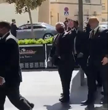 الملك يزور بوليفارد العبدلي (فيديو)