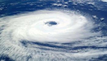إعصار جولاب يضرب الهند ..  إجلاء الآلاف وتحذير من فيضانات