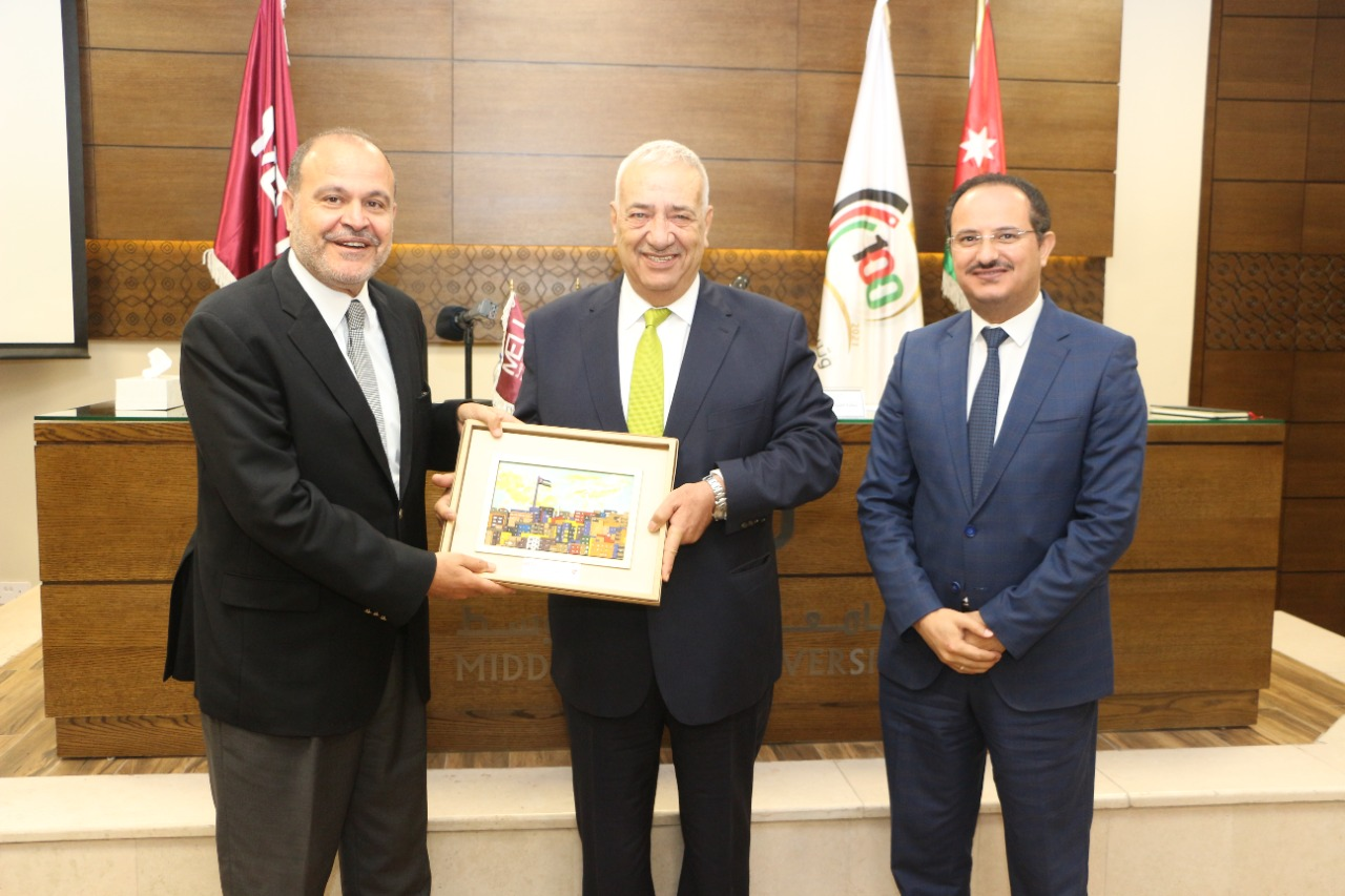المجالي يؤكد من جامعة الشرق الاوسط قوة الدولة الأردنية