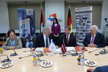اتفاقية تعاون مشترك بين جامعتي الألمانية الأردنية و الشرق الأوسط