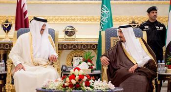 الملك سلمان وأمير قطر يتبادلان التهاني بحلول شهر رمضان المبارك