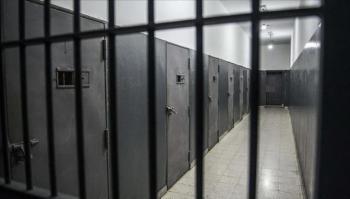 إصابة 12 أسيرا فلسطينيا بكورونا في سجن عوفر