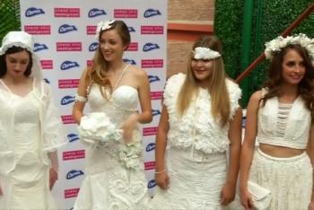 فساتين زفاف رائعة مصنوعة من ورق تواليت