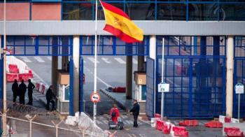 الحكومة الإسبانية تحدد شرطها لفتح الحدود مع المغرب