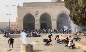 مدير المسجد الأقصى: الوضع في الباحات ساحة حرب