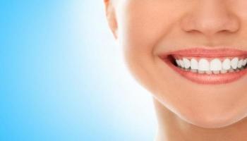 3 خضروات تنظف الأسنان