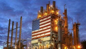 مخزونات النفط الأمريكية تهبط بقوة والنفط يعزز مكاسبه