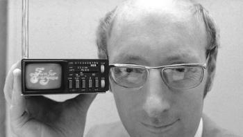 وفاة مخترع بريطاني ابتكر كومبيوترات منزلية أسطورية