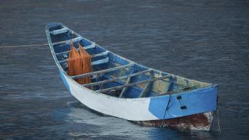 ثلاثة قتلى وخمسة مفقودين في غرق مركب للمهاجرين بجزر الكناري