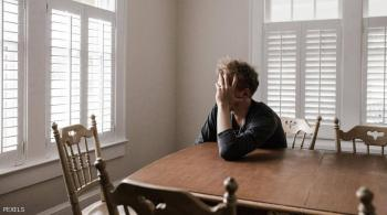 اكتئاب ما بعد الولادة ..  دراسة تكشف ما يحدث للآباء