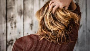 أفضل زيت لمنع تساقط الشعر
