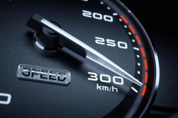 ما هو تسارع السيارة وكيف يقاس؟