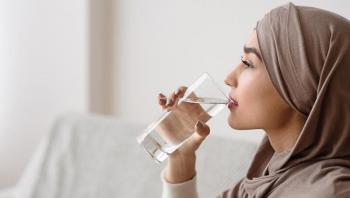 6 قواعد عند شرب الماء في رمضان