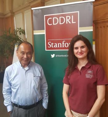 ستانفورد تختار هديل القاق  للمشاركة في برنامج  الديمقراطية والتنمية وسيادة القانون