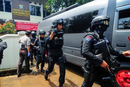 إندونيسيا: مهاجم فجر قنبلة في جاوة ربما على صلة بـ داعش