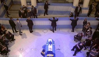 جثمان مارادونا يصل القصر الرئاسي للنظرة الأخيرة