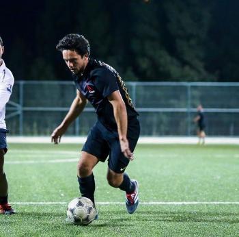ولي العهد: بعد العمل  ..  لا شيء افضل من كرة القدم