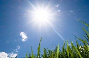 الأحد ..  أجواء حارة وتحذير من أشعة الشمس