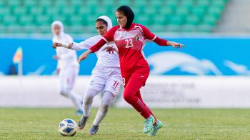 فريقا 6 يارد والعروبة يتصدران دوري السيدات لكرة القدم