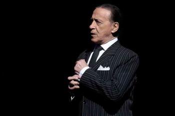 وفاة أسطورة التانغو الراقص الأرجنتيني خوان كارلوس كوبس