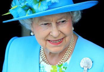 ملكة بريطانيا ترفض لقب عجوز العام