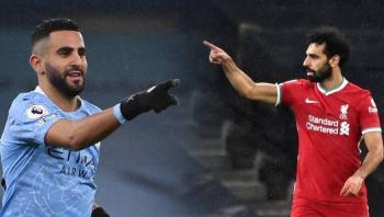 مدرب المنتخب السعودي يختار الأفضل بين رياض محرز ومحمد صلاح