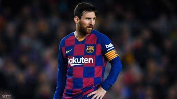 ميسي يخطر إدارة برشلونة بمغادرة النادي
