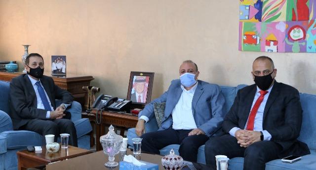 النعيمي يشكر عمان الاهلية على منح أبناء المعلمين والعاملين في التربية