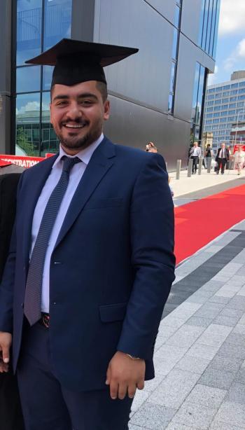 ابورمان يهنئ مروان الصفدي بالتخرج