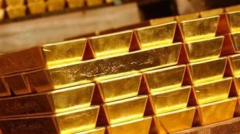 الذهب يسجل أدنى مستوى في أكثر من أسبوع